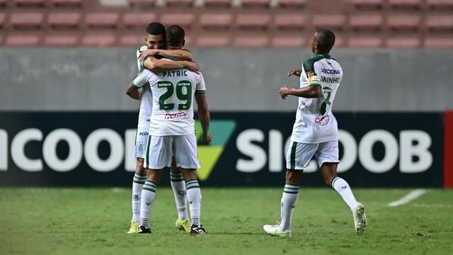 De virada, América-MG vence e deixa Palmeiras mais longe da liderança